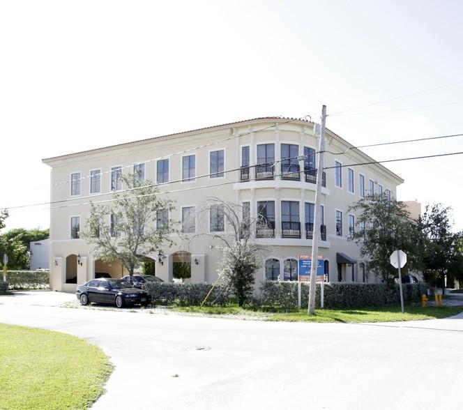 9780 E Indigo St Palmetto Bay, FL 33157